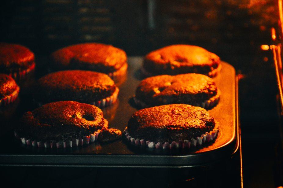 baked-baking-cakes-23078.jpg